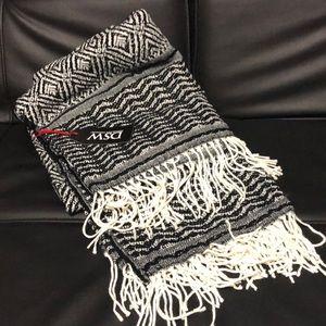 DSW- Black & White Blanket - NWT